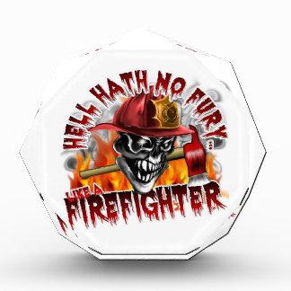 Cráneo 5 del bombero y llamas