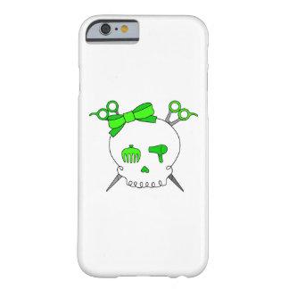Cráneo accesorio del pelo verde - Scissor la Funda De iPhone 6 Barely There