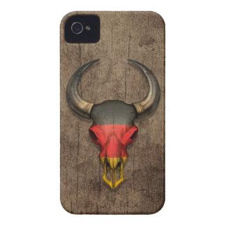 Cráneo alemán de Bull de la bandera en el efecto d Case-Mate iPhone 4 Protector
