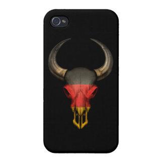 Cráneo alemán de Bull de la bandera en negro iPhone 4 Protector