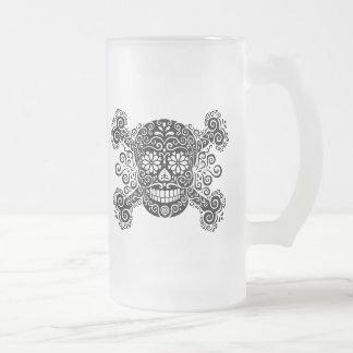 Cráneo antiguo y bandera pirata del azúcar taza de cristal