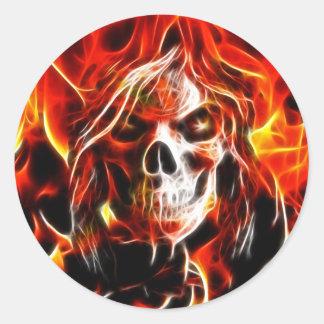Cráneo ardiente de la bruja pegatina redonda