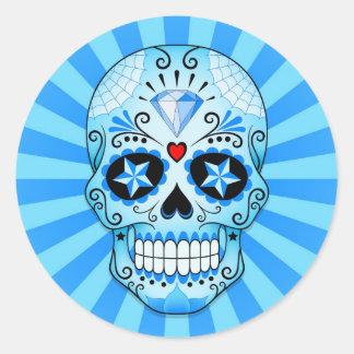 Cráneo azul del azúcar del diamante pegatina redonda