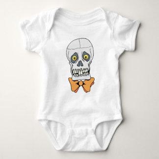 Cráneo Bien-Vestido Remeras