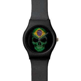 Cráneo brasileño de la bandera en negro relojes de mano