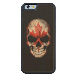 Cráneo canadiense de la bandera en negro funda de iPhone 6 bumper arce