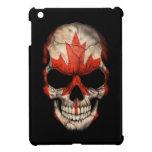 Cráneo canadiense de la bandera en negro iPad mini protector