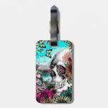 Cráneo caprichoso del paisaje con floral etiquetas bolsas