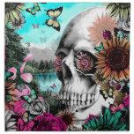 Cráneo caprichoso del paisaje con floral servilletas