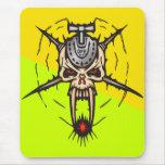 Cráneo cibernético mortal encendido tapete de ratón