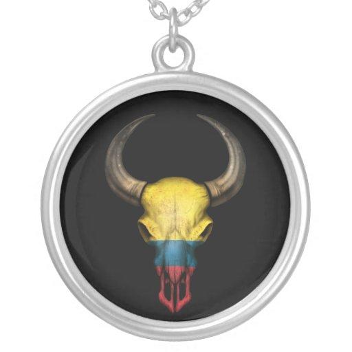 Cráneo colombiano de Bull de la bandera en negro Colgantes