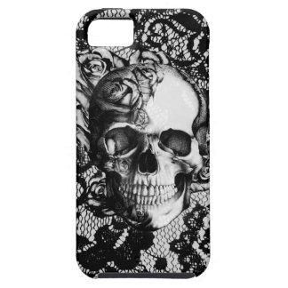 Cráneo color de rosa blanco y negro en fondo del iPhone 5 funda