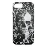 Cráneo color de rosa blanco y negro en fondo del funda iPhone 7