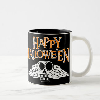 Cráneo con alas Colonial Halloween Tazas De Café