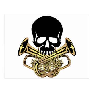 Cráneo con bandera pirata de la tuba postales