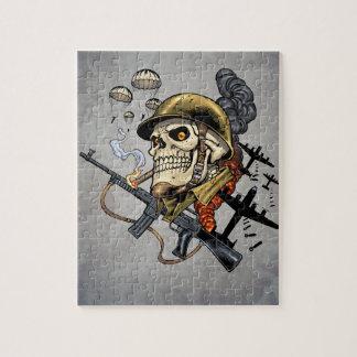 Cráneo con el casco, los aeroplanos y las bombas puzzles