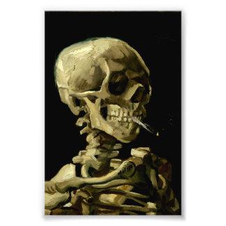 Cráneo con el cigarrillo ardiente de Van Gogh Cojinete