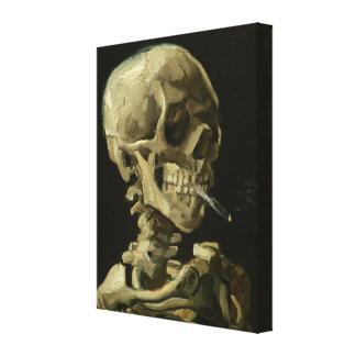 Cráneo con el cigarrillo ardiente de Van Gogh Impresiones En Lona