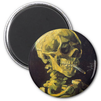 Cráneo con el cigarrillo ardiente imán para frigorifico