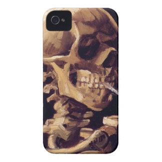 Cráneo con el cigarrillo ardiente que pinta a Van  Case-Mate iPhone 4 Cárcasas