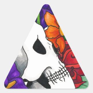 Cráneo con el ramo colcomanias trianguladas personalizadas