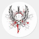 Cráneo con las alas etiqueta redonda