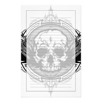 Cráneo con las alas y el esquema tribal adornados  papeleria de diseño