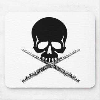 Cráneo con las flautas como bandera pirata alfombrillas de ratones