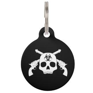 Cráneo con los armas cruzados placa de mascota