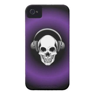 Cráneo con los auriculares Blackberry intrépido iPhone 4 Case-Mate Funda