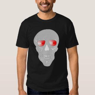 Cráneo con los ojos que bombean rojos poleras