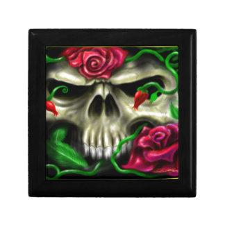 cráneo con roses.jpg joyero cuadrado pequeño