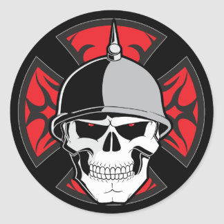 Cráneo cruzado redondo tribal etiquetas redondas
