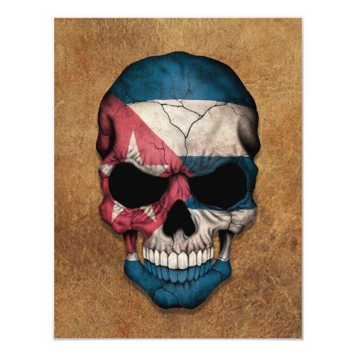 Cráneo cubano envejecido y llevado de la bandera invitación 10,8 x 13,9 cm