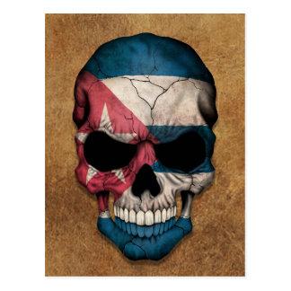 Cráneo cubano envejecido y llevado de la bandera tarjeta postal