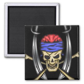 Cráneo de balanceo 2 del pirata de la espada iman de nevera