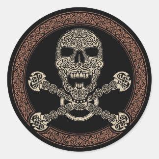 Cráneo de Duotone y pegatinas célticos de los Pegatina Redonda