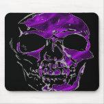 Cráneo de Fanged en Mousepad de seda púrpura Tapetes De Raton