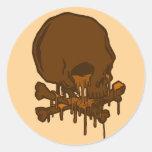 cráneo de fusión delicioso del chocolate… por etiqueta redonda