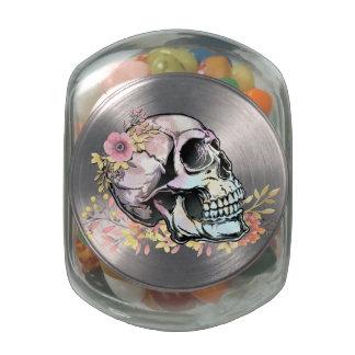 Cráneo de la acuarela con las flores del otoño jarras de cristal