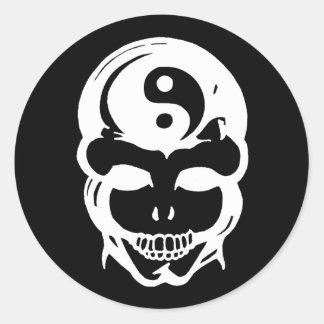 Cráneo de la balanza pegatina redonda