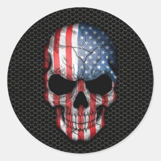 Cráneo de la bandera americana en el gráfico de pegatina redonda