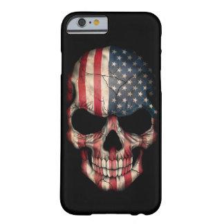 Cráneo de la bandera americana en negro funda de iPhone 6 barely there