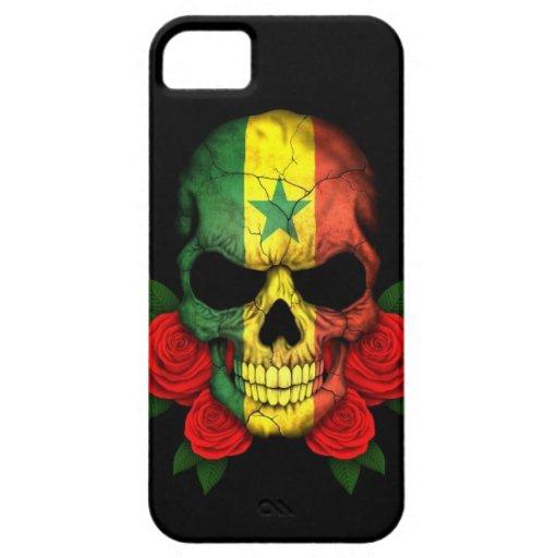 Cráneo de la bandera de Senegal con los rosas Funda Para iPhone 5 Barely There