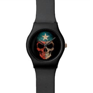 Cráneo de la bandera de Tejas en negro Reloj De Mano