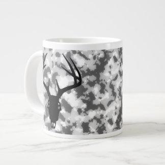 Cráneo de la caza de los ciervos con las astas taza de café grande