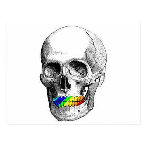 Cráneo de la parrilla del arco iris postal