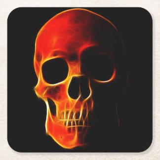 Cráneo de llamas posavasos desechable cuadrado