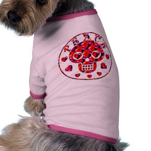 Cráneo de los corazones de la paz camiseta de perro