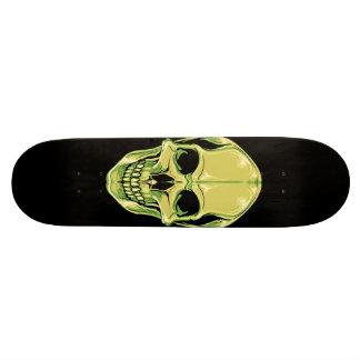 Cráneo de mueca verde en el monopatín negro patines personalizados